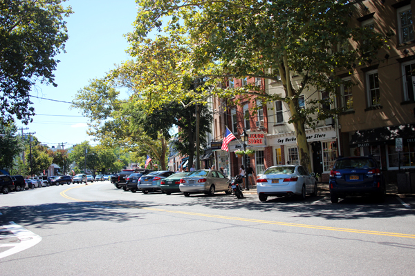 downtown-sag-harbor-hamptons