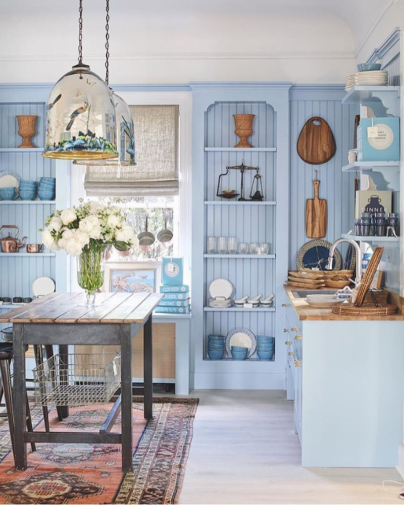 I seriously cannot wait to check out the @onekingslane Southampton, NY store next weekend. How good is this blue kitchen?! And can we talk about the oversized pendants for a second!? Ughhhhhhh  | Design by @sarahblankdesign  via @brightbazaar