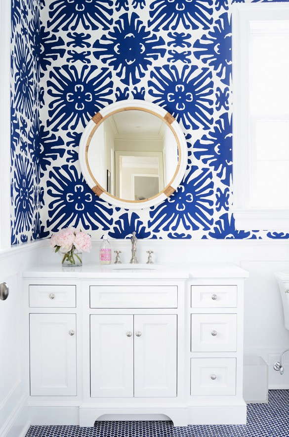 The zhush 39 s preppy connecticut home tour for Navy bathroom wallpaper