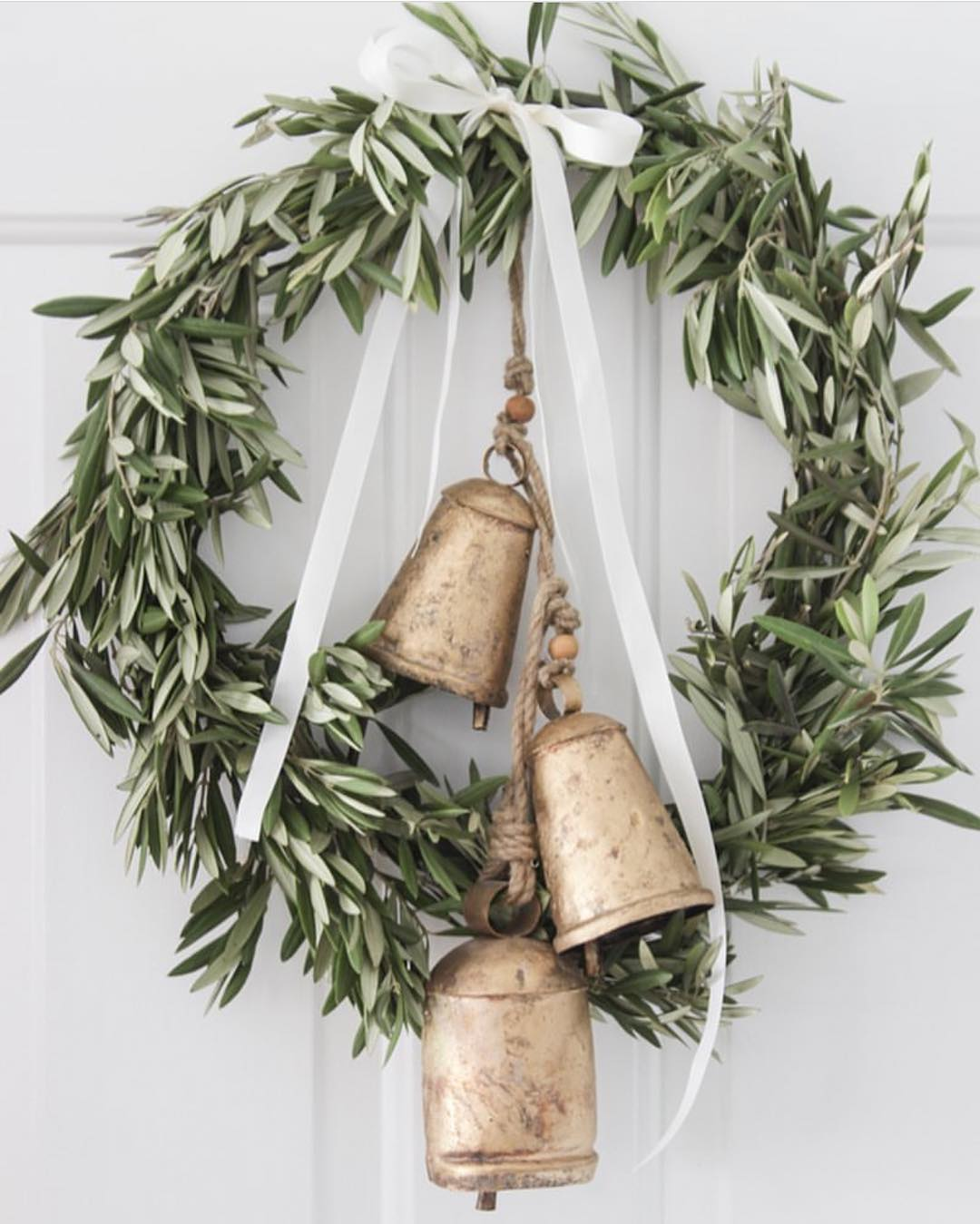 Totally stealing this wreath idea from studiomcgee