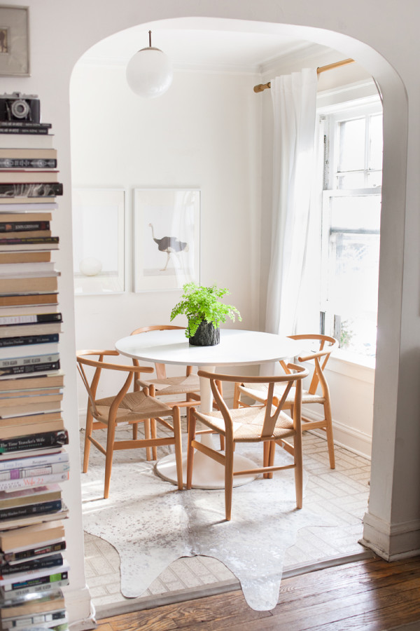 The-Wishbone-Chair-Everygirl-Home-Tour
