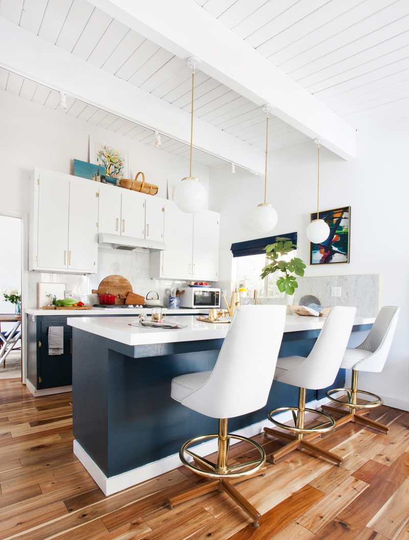 Having A Moment: Navy and White Kitchen Cabinets