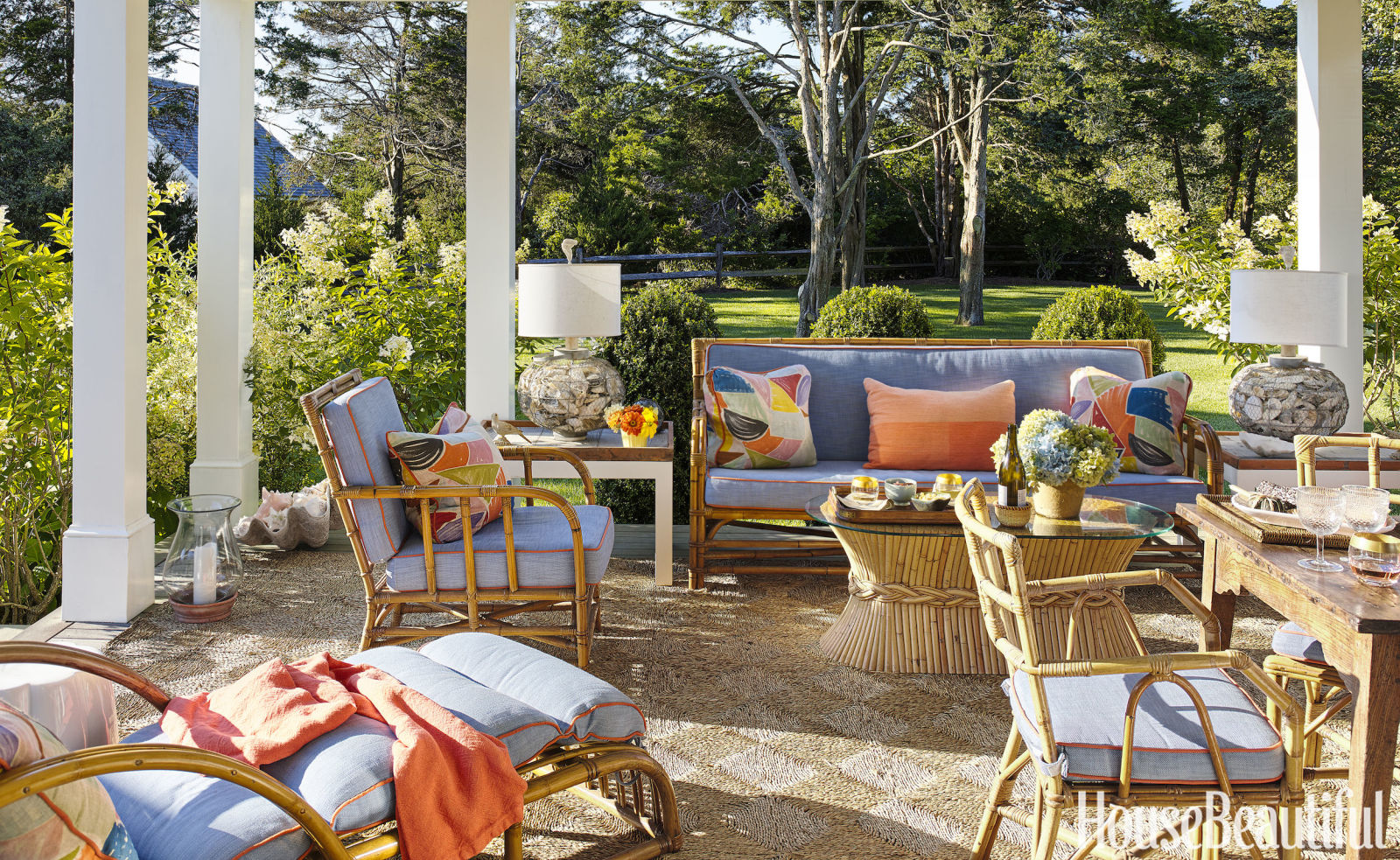 A colorful nantucket beach house lauren nelson for Outdoor living patio furniture