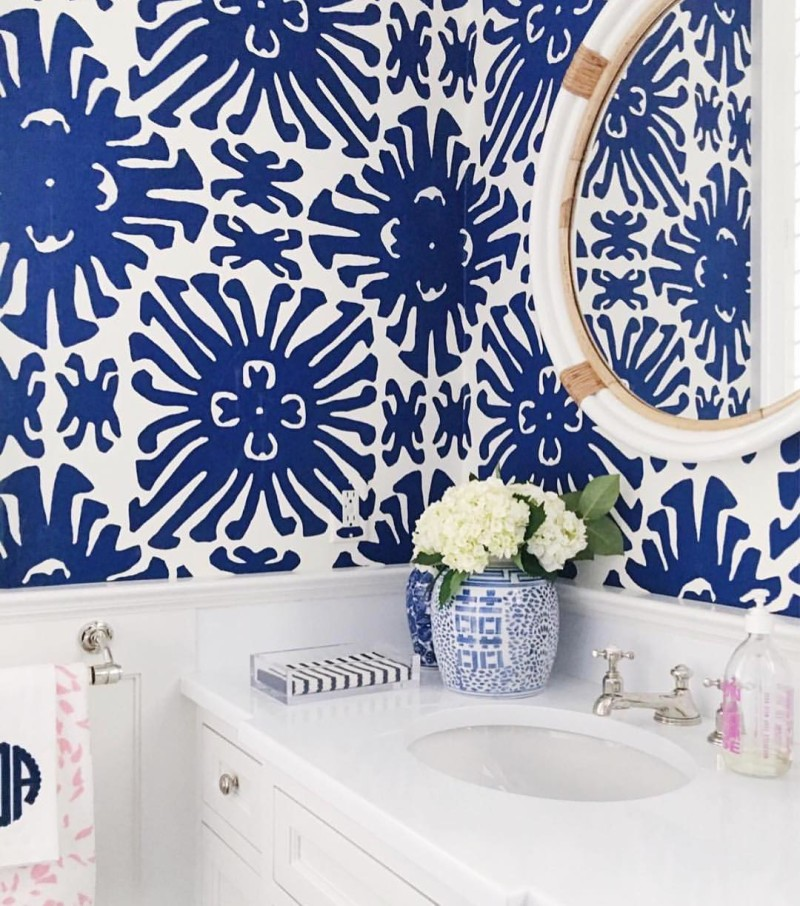 Powder room goals right here. If you're not following already, my fiend Sue over at the @zhush is a must! She was one of the first bloggers I ever started following 5+ years ago and she's still a fav! #onetofollow #followfriday