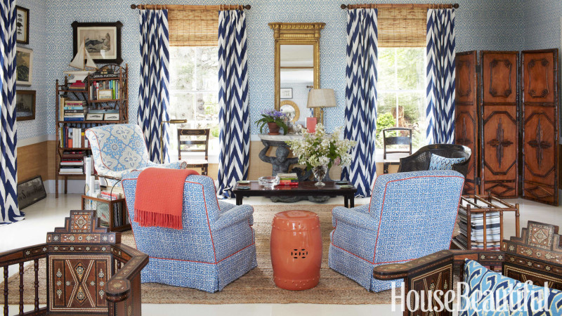Blue-And-White-Curtains-Bold-Living-Room