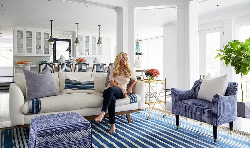 blue-and-white-stripe-rug_striped-pillow_blue-accent-chair