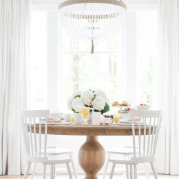 Look I'm Loving: Round Natural Wood Dinning Tables