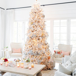 A Holiday Home Tour That Will Make You Want To Decorate Asap