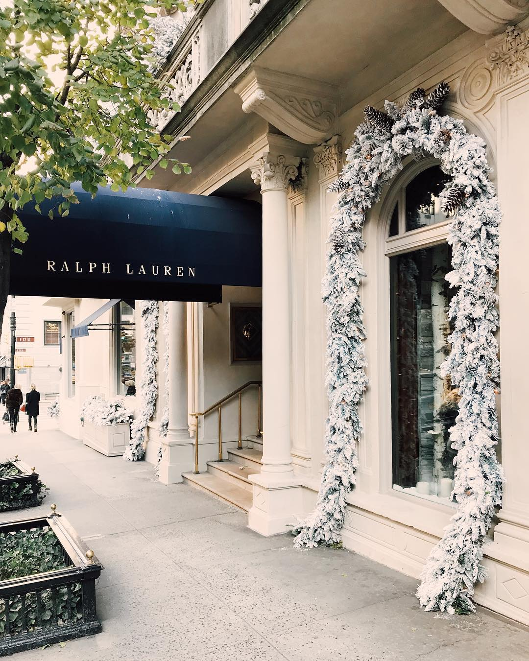 Last weekend I visited both the ralphlauren mens and womenshellip