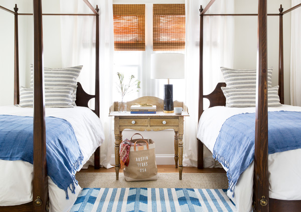 Blue-and-White-Guest-Bedroom