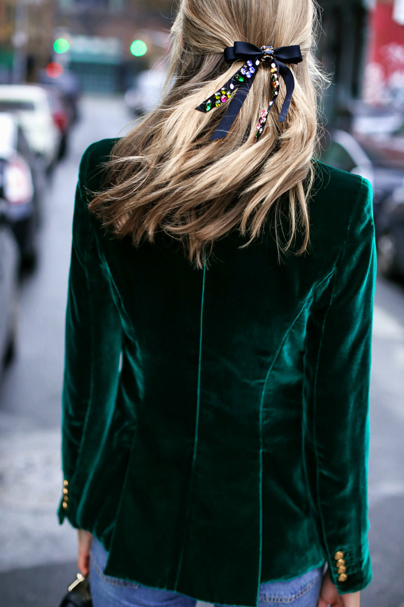 Green-Smythe-velvet-blazer-boyfriend-jeans-rhinestone-bow-barrette-casual-holiday-style-featured-image