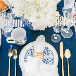 A Cozy Winter Brunch At Home | A Blue and White Tablescape