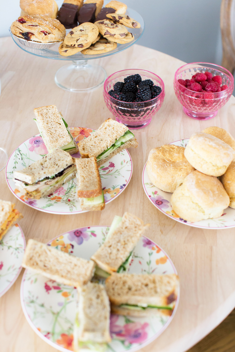 Alices-Tea-Cup-Scones-Villeroy-Boch-Dishes