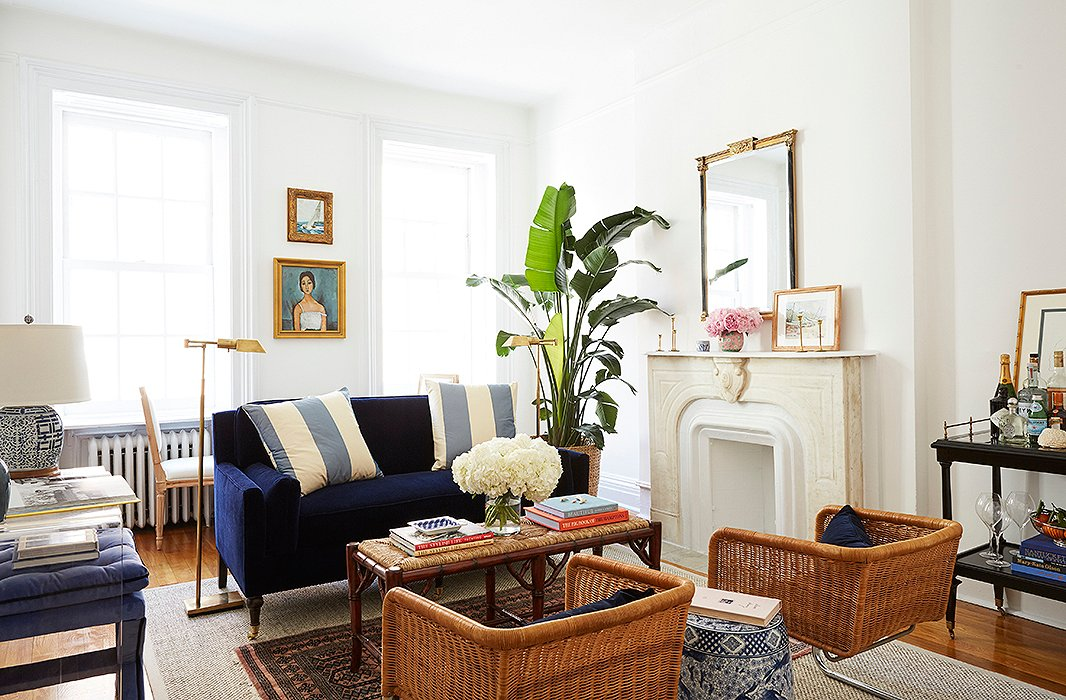 Amy stone 39 s preppy polished apartment lauren nelson - Best furniture for small living room ...