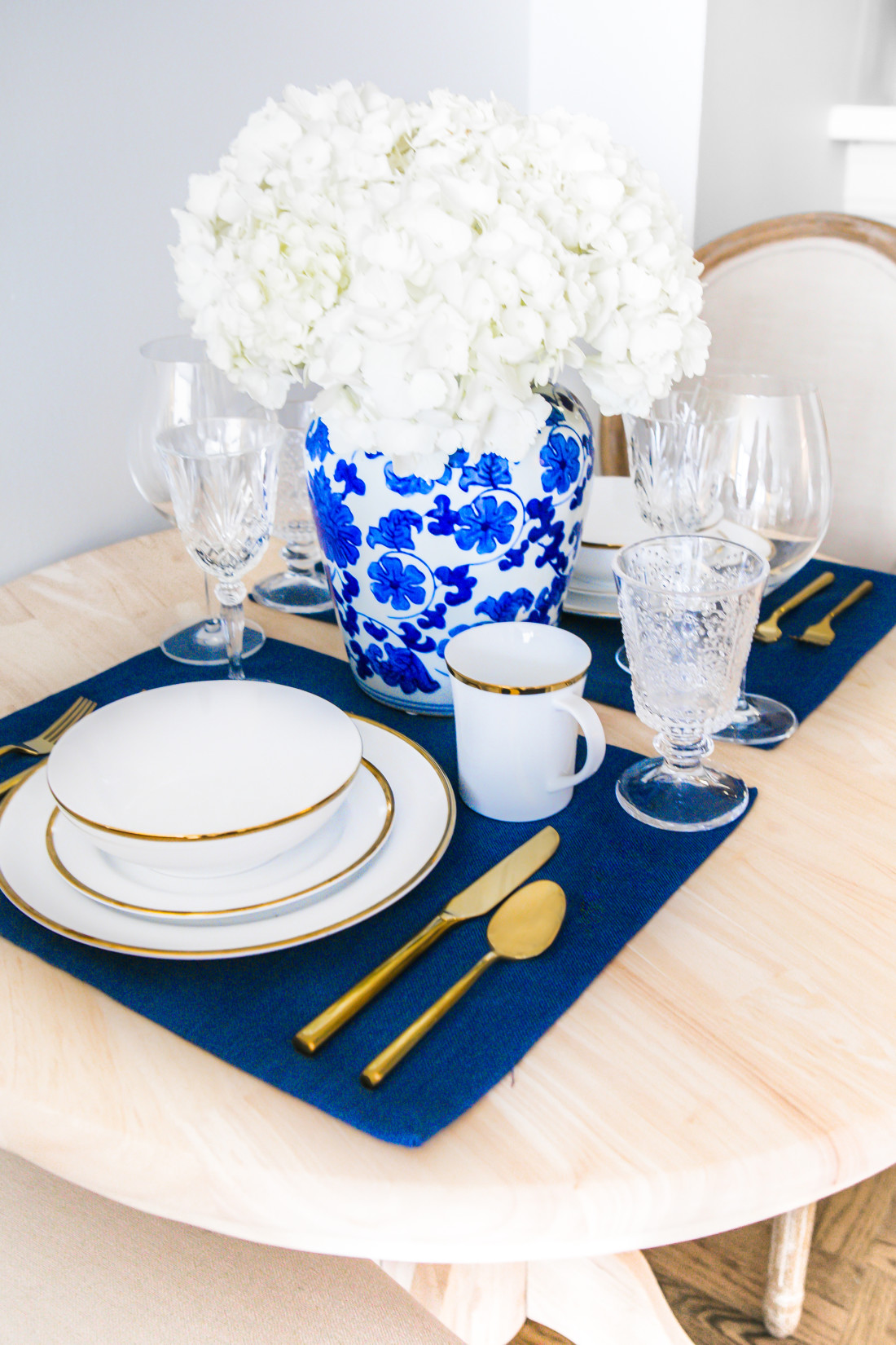 Blue-And-White-Ginger-Jar-Blue-Placemats