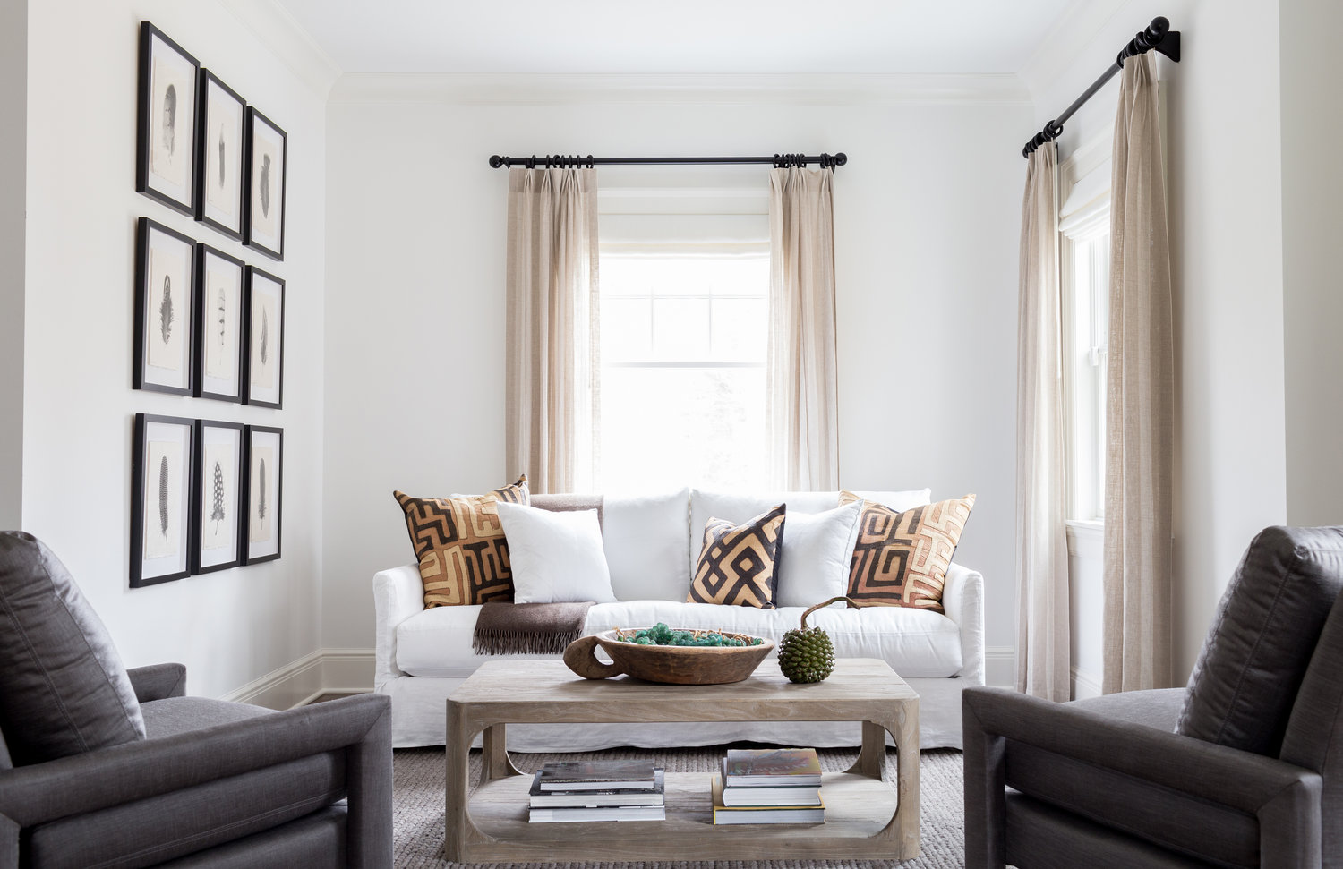Chango-And-Co-Family-West-Chester-Home-3-Neutral-Living-Room