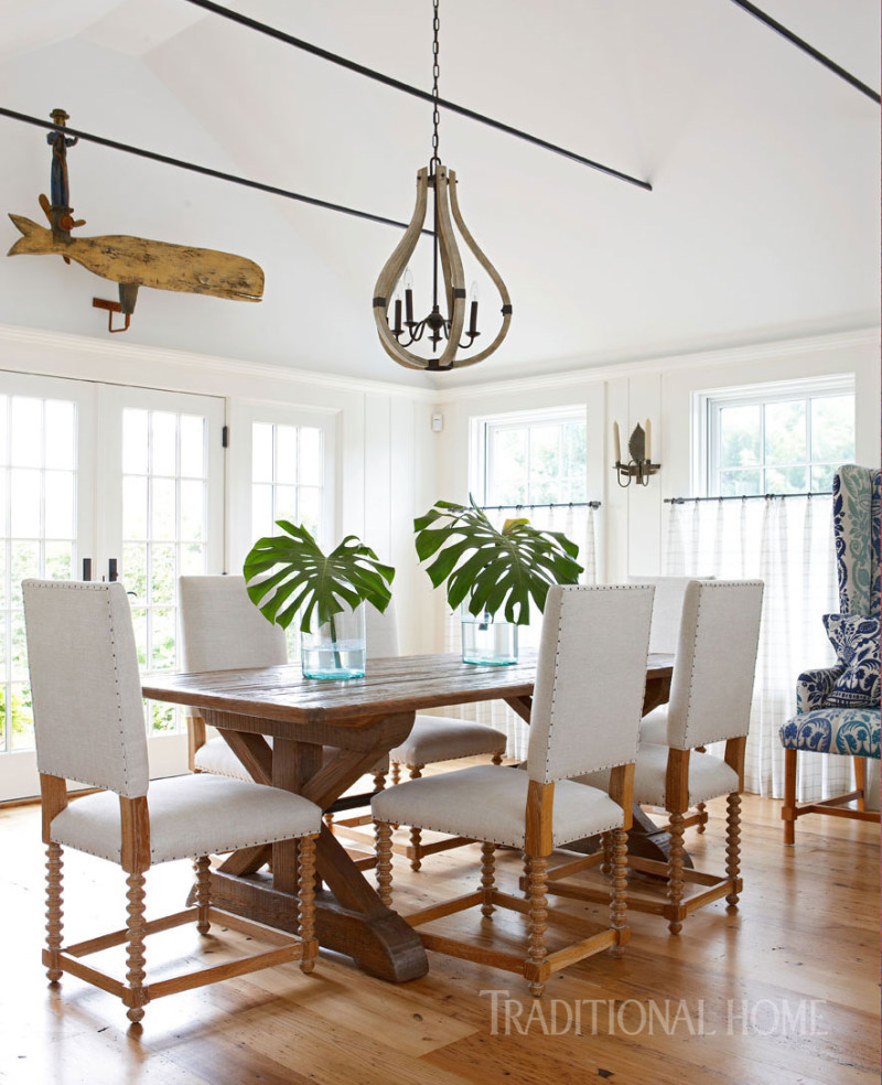 Palm-Leaves-Natural-Wood-Dinning-Table