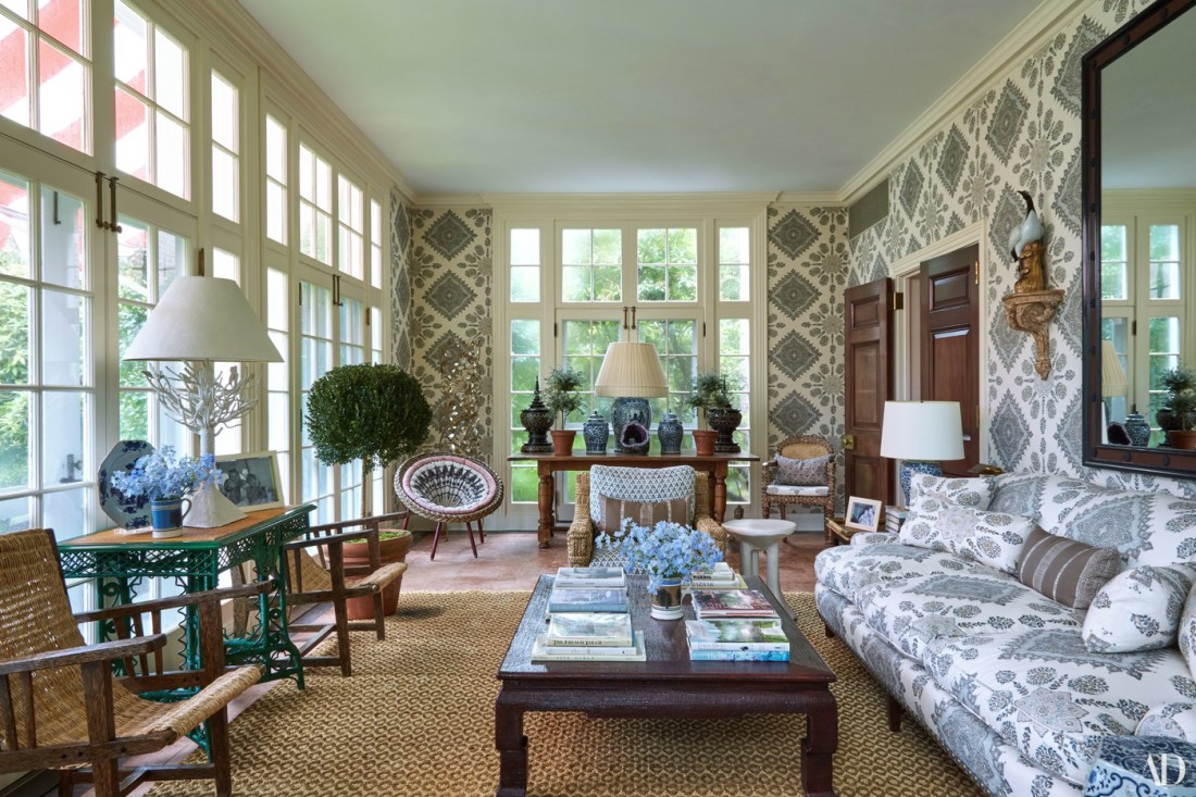Rattan-Chairs-Sisal-Rug-Traditional-Home-Arch-Digest-Tory-Burch
