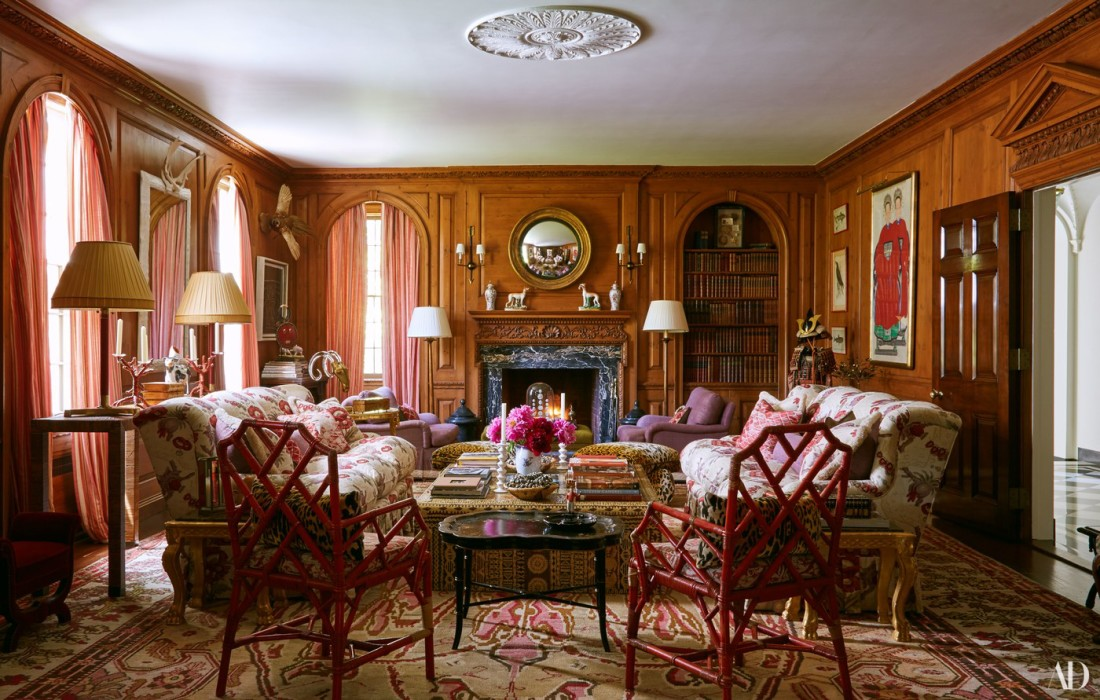 Wood-Paneling-Traditional-Home-Arch-Digst-Tory-Burch