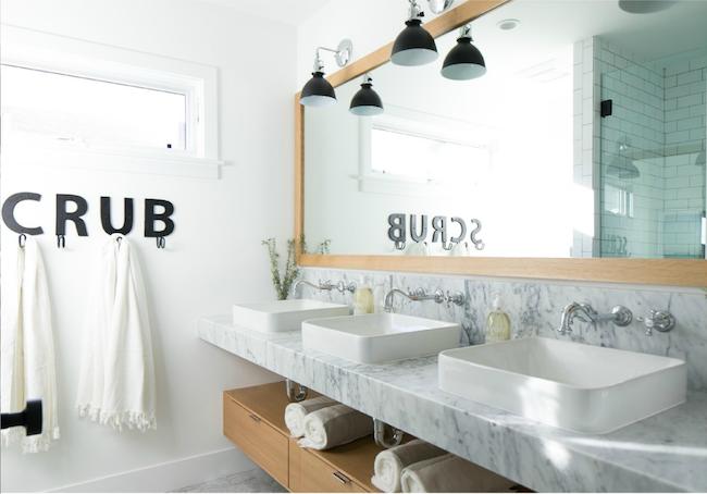 Beach House Bathroom Scrub Towel Holder Marble Counters
